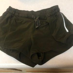 Lululemon hottie hot shorts 2.5 in inseam